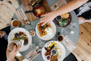 Alkis ir apetito kontrolė – kaip išvengti emocinio valgymo?