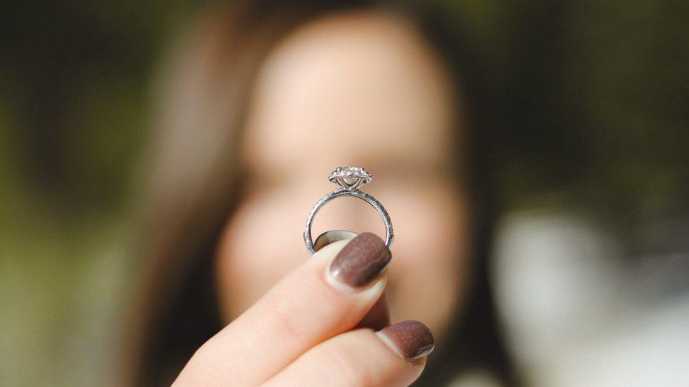 Renkamės sužadėtuvių žiedą į ką atsižvelgti